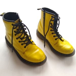 Doc Martens • Delaney sunny yellow lace-up boots